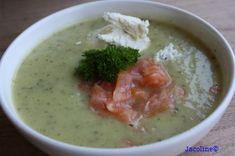 Een lekkere eenvoudige en gezonde courgette soep met een vleugje mosterd. Deze soep is makkelijk te bereiden, snel klaar en heeft een hee...