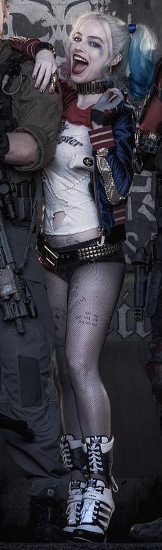Margot Robbie As Harley Quinn - Cosmic Book News