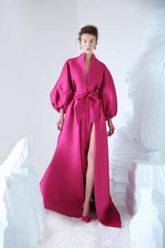 Abaya Fashion, Modest Fashion, Couture Fashion, Fashion Dresses, 1950s Fashion, Gothic Fashion, Fashion Fashion, Vintage Fashion, Anna Karenina