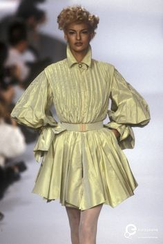 Lanvin, Spring-Summer 1991, Couture | Lanvin (Designer) and Etienne Tordoir (Photographer) - Europeana