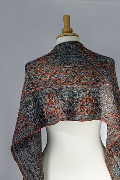 This is the second design in Illuminated Knits, a series of patterns inspired by illuminated Celtic manuscripts, using beautiful shades of Malabrigo yarn.