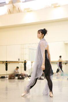 Kei Akahoshi in rehearsal