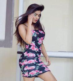 Stylish Girls Photos, Stylish Girl Pic, Western Dresses For Girl, Most Beautiful Bollywood Actress, Beautiful Blonde Girl, Bollywood Girls, Beauty Full Girl, Beauty Women, Cute Girl Photo