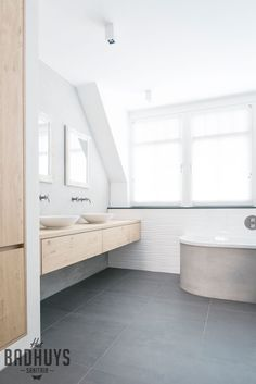 Jose: Like the idea of washbowls on drawers Build Your Own House, Laundry In Bathroom, Bathroom Style, Relaxing Bathroom, Bathroom Layout, Bathroom Styling, Bathroom Toilets, Bathroom Inspiration, Plywood Diy