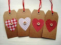 Button gift tags - an easy way to pretty a present for valentines Christmas Gift Tags, Christmas Wrapping, Handmade Christmas, Christmas Wishes, Christmas Tags To Print, Christmas Trees, Holiday Gifts, Valentine Crafts, Christmas Crafts
