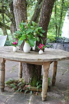 Romancing the Home Back to Blackberry Farm is part of Landscaping around trees - Garden Yard Ideas, Garden Projects, Garden Art, Garden Table, Landscaping Around Trees, Backyard Landscaping, Landscaping Ideas, Back Gardens, Outdoor Gardens