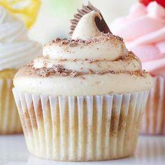 Peanut Butter-Chocolate Twist Cupcakes #cupcakes #cupcakeideas #cupcakerecipes #food #yummy #sweet #delicious #cupcake