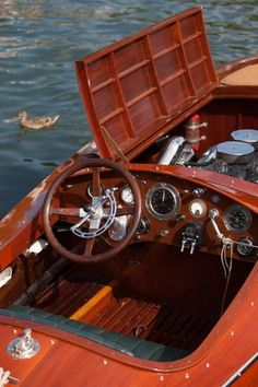 Miss Columbia Gold Cup replica Mark Mason Chris Craft Wooden Boats, Wooden Speed Boats, Runabout Boat, Classic Wooden Boats, Cabin Cruiser, Vintage Boats, Engin, Cool Boats, Wooden Car
