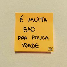 Nem me fale All The Bright Places, Frases Tumblr, Sad Girl, Sentences, Lettering, Humor, Thoughts, Writing, Motivation