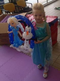 Elsa and Olaf balloon model, Frozen party