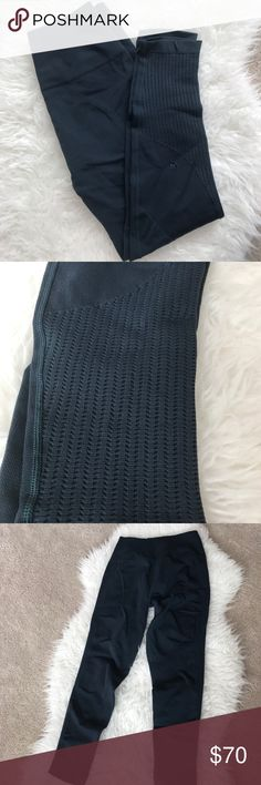 Lululemon Sz 10 Leggings Deep midnight blue color with gorgeous weave design. lululemon athletica Pants Leggings
