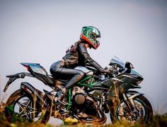 Motorcycle Girls : Photo