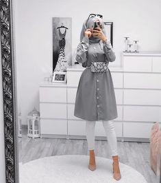 modest fashion Ebru Erol (ebrusootds) Ins - fashion Hijab Chic, Modest Fashion Hijab, Modern Hijab Fashion, Street Hijab Fashion, Hijab Fashion Inspiration, Muslim Fashion, Mode Inspiration, Fashion Ideas, Hijab Outfit