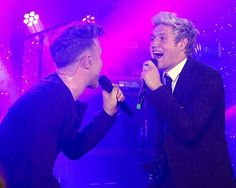 Niall performing with Olly Murs at the #HoranandRose  Charity Gala (5-29-2016)