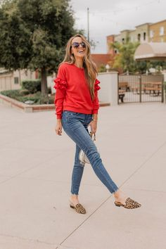 3f95e46e9c7 an easy mom outfit that s elevated but still comfy and cute