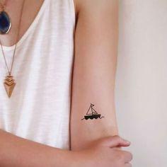 Two small boat temporary tattoos pieces) sea tattoo ideas Unique Tattoos, Cute Tattoos, Girl Tattoos, Tattoos For Women Small, Small Tattoos, Tattoo Barco, Tattoo Sonne, Henne Tattoo, Tattoo Symbole