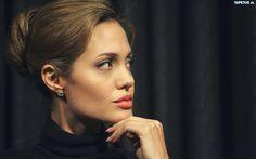 Angelina Jolie, Upięte, Włosy