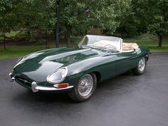 Jaguar XKE This is the exact car I want! Jaguar Xk, Jaguar E Type, Jaguar Cars, My Dream Car, Dream Cars, Morgan Cars, British Sports Cars, Retro Cars, Vintage Cars