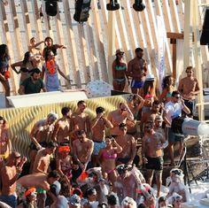 Party at Kalypso Zrce  #zrce #novalja #otokpag #inselpag #partybeach #summer #festival #zrcebeach #croatia #kroatien #hrvatska #beach #partyurlaub