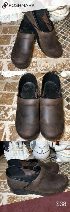 Dansko profesional Size 39 Comfy muleS Dansko. Good condition. Dansko Shoes Mules & Clogs