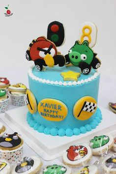 Hot Wheels Angry Birds Party Table With Cake, Mini Cupcakes & Cookie Pops
