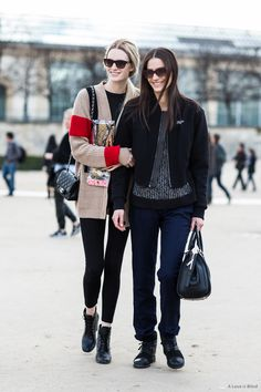 #AshleighGood & #MijoMihaljcic kicking it #offduty in Paris.