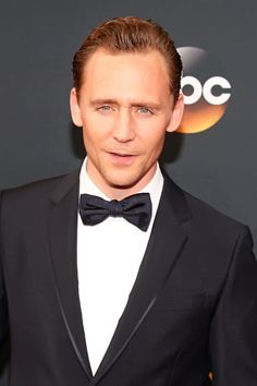 Tom Hiddleston attends the 68th Annual Primetime #Emmy Awards at Microsoft Theater. #TheNightManager Via torrilla. Click here for full resolution: https://pbs.twimg.com/media/CsrVQWuUMAA5clS.jpg:large