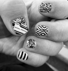 It's a Black & White mani for me this week using my old & new sample wraps. #tbt #oldsamples #newsamples #blackandwhite #jamberry #jamberrynails #nailart #nailwraps #naildesign #nails #blackwhitestripejn #smittenjn #lavalampjn #amazedjn #mindgamesjn