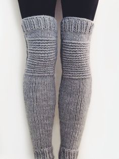 Knitting Patterns Leg Warmers Ravelry: Moto Leg Warmers pattern by Alexandra Tavel Knit Leg Warmers, Leg Warmers Outfit, Baby Leg Warmers, Hunter Boots Outfit, Fashionable Snow Boots, Colorful Socks, Knit Crochet, Crochet Shark, Crochet Pants