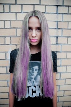 ahh i want purple hair. or light pink eek