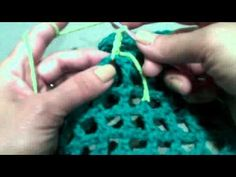 Wiggly crochet pot holder video tutorial.