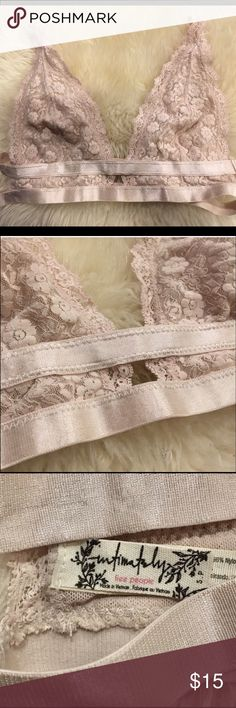 Free people intimately lace boho bralette Beautiful champagne ping lace bralette. Free people. Size small but fits more like a Medium. Too big for me. Reposh item. Excellent condition. Free People Intimates & Sleepwear Bras