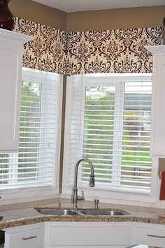 Corner Kitchen Window Valance. This Is Almost Exactly Like My Window  Situation. Why Am