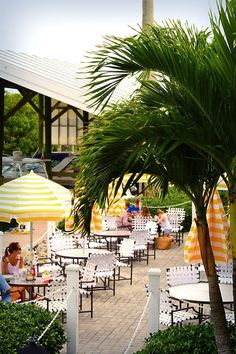 Boca Grande 'Outlet at the Intel' for breakfast and lunch