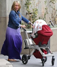 Exclusive Pics Jennifer Love Hewitt Out With Hubby Baby Daughter
