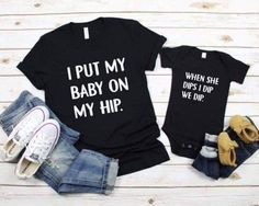 10 Things The Baby's Kicks Are Saying About The Pregnancy - Unfurth Mom And Me Shirts, Papa Shirts, Ice Ice Baby, My Bebe, Mommy And Me Outfits, Everything Baby, Cute Baby Clothes, Funny Clothes, Cute Baby Onesies
