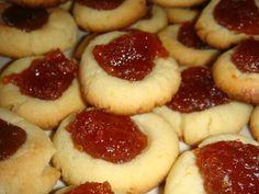 Pepas de membrillo Cookie Desserts, No Bake Desserts, Dessert Recipes, Argentine Recipes, Quince Jelly, Argentina Food, Recipe Mix, Best Food Ever, Portuguese Recipes