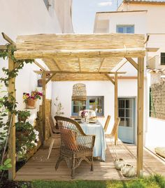Charming house in Spanish countryside Pergola Patio, Backyard, Gazebo, Outdoor Spaces, Outdoor Living, Rustic Outdoor, Outdoor Decor, Charming House, Built In Seating