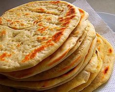 One of the most well-known foods in Greek cuisine is pita bread. It's used to scoop-up dips that are usually included in the mix of mezedes (Greek appetizers). Food Network Recipes, Food Processor Recipes, Cooking Recipes, Greek Pita Bread, Cyprus Food, The Kitchen Food Network, Food Porn, Greek Cooking, Greek Dishes