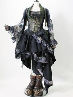 Steampunk and Junk Pinned for corset and sleeves Costume Steampunk, Mode Steampunk, Steampunk Dress, Victorian Steampunk, Steampunk Clothing, Steampunk Fashion, Gothic Fashion, Steampunk Necklace, Emo Fashion