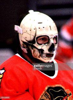 A history of Goalie Masks mapped Goalie Pads, Goalie Gear, Hockey Goalie, Ice Hockey, Hockey Pictures, Sports Pictures, Blackhawks Hockey, Chicago Blackhawks, Sports Uniforms