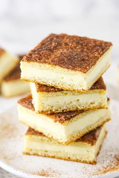 A smooth cheesecake filling is sandwiched between two puff pastries and topped with cinnamon sugar in these easy Sopapilla Cheesecake Bars. They're sweet, satisfying and delicious! Sopapilla Cheesecake Bars, Best Cheesecake, Easy Cheesecake Recipes, Cheesecake Desserts, Pie Dessert, Sweets Recipes, Mexican Food Recipes, Bar Recipes, Dessert Ideas