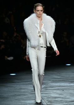 MIKE KAGEE FASHION BLOG: ROBERTO CAVALLI SHOWS A POWERFUL FALL/WINTER 2014-...