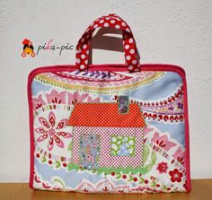 www.pikapic.es Maletín de dibujo para Jana. Cara B. Homemade Xmas Gifts, Artist Bag, Ideas Para, Diaper Bag, Lunch Box, Sewing, School, Craft, Fabric Purses