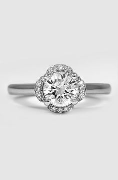 18K White Gold Fleur Diamond Ring