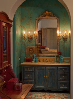 Mediterranean Bathroom, Mediterranean Homes, Apartment Bathroom Design, Bathroom Interior Design, Maximalist Interior, Tuscan House, Bathroom Colors, Of Wallpaper, Cool Walls