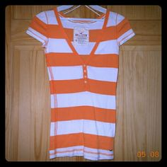 Hollister orange striped shirt Hollister orange and white striped button up shirt. Size small. In great condition, only worn a few times. Price firm unless bundled. Hollister Tops Tees - Short Sleeve