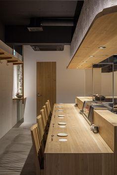 焼とり はま田 Resturant Interior, Japanese Restaurant Interior, Modern Restaurant, Bar Interior, Cafe Restaurant, Cafe Bar, Restaurant Kitchen Design, Restaurant Bathroom, Restaurant Interior Design