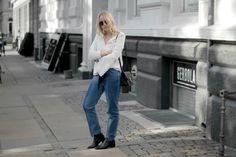 A LITTLE FLARE  H&M denim Neon rose flare blouse Acne boots Bykrog.dk street style fashion minimal ootd danish blogger