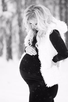 Winter maternity photo shoot.